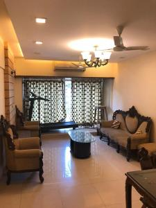 Gallery Cover Image of 900 Sq.ft 2 BHK Apartment for rent in Juhu for 80000