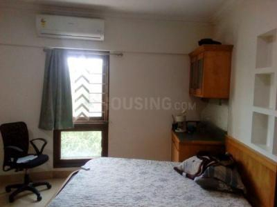 Gallery Cover Image of 1500 Sq.ft 3 BHK Apartment for rent in Sarkar Avenue CHS, Santacruz West for 135000