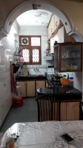 Gallery Cover Image of 1700 Sq.ft 3 BHK Apartment for rent in Sector 22 Dwarka for 30000