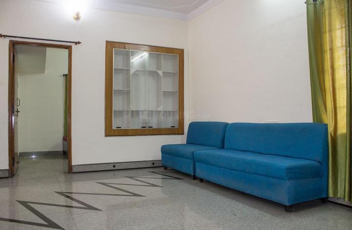मरुथी नगर में बॉइज़ पीजी में लिविंग रूम की तस्वीर