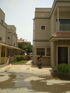 Gallery Cover Image of 2200 Sq.ft 3 BHK Villa for rent in Shaligram Greens, Bakrol for 20000