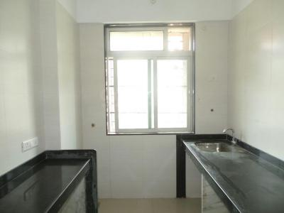 Gallery Cover Image of 1010 Sq.ft 3 BHK Apartment for rent in Kandivali East for 35000