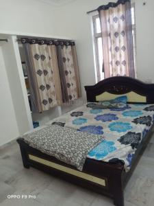 Gallery Cover Image of 1500 Sq.ft 3 BHK Independent House for buy in Peerzadiguda for 12000000