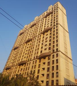 Gallery Cover Image of 305 Sq.ft 1 BHK Apartment for buy in Malad West for 5500000