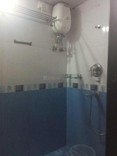 Common Bathroom Image of 650 Sq.ft 1 BHK Apartment for rent in Malad East for 25000