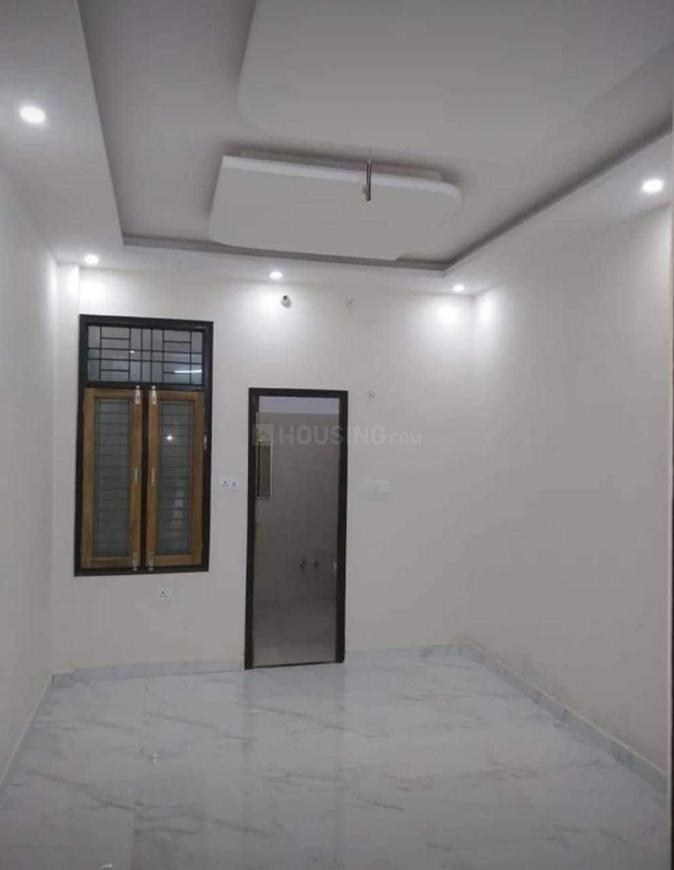 Living Room Image of 900 Sq.ft 2 BHK Independent House for buy in Gomti Nagar for 4500000