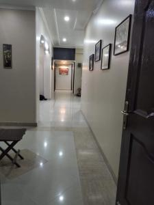 Gallery Cover Image of 1737 Sq.ft 3 BHK Apartment for buy in Omicron III Greater Noida for 4400000