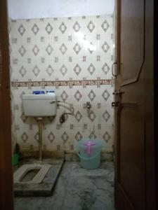 Bathroom Image of Vicky PG in Khanpur