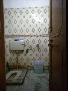 Bathroom Image of PG 3806839 Said-ul-ajaib in Said-Ul-Ajaib
