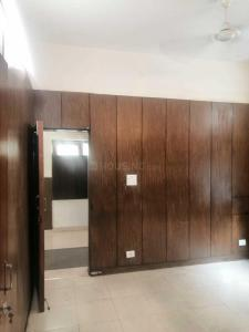Gallery Cover Image of 900 Sq.ft 2 BHK Apartment for rent in Gole Market for 52500