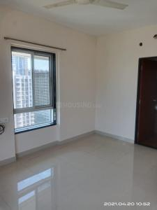 Gallery Cover Image of 750 Sq.ft 1 BHK Apartment for rent in Royal Oasis, Malad West for 26000