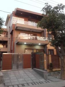 Gallery Cover Image of 6000 Sq.ft 6 BHK Independent House for buy in Sector 40 for 27000000