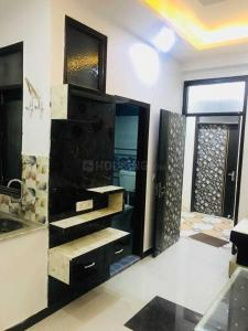 Gallery Cover Image of 950 Sq.ft 2 BHK Independent Floor for buy in Royal Avenue, Sector 75 for 2850000