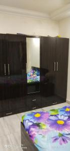 Gallery Cover Image of 660 Sq.ft 1 BHK Apartment for rent in Ashok Nagar Complex, Andheri East for 34000