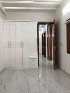 Gallery Cover Image of 1300 Sq.ft 3 BHK Apartment for buy in Niti Khand for 6200000