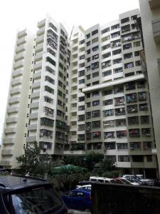 Gallery Cover Image of 565 Sq.ft 1 BHK Apartment for rent in Kandivali East for 23000
