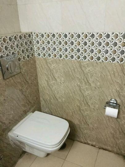 सेक्टर 39 में द ऑरेंज के बाथरूम की तस्वीर