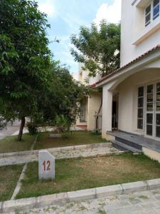 Gallery Cover Image of 3500 Sq.ft 4 BHK Villa for buy in Alliance Group Bougainvillea, Iyyappanthangal for 35000000