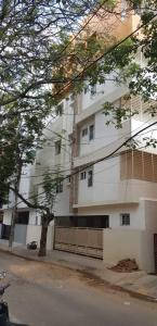 Gallery Cover Image of 1500 Sq.ft 3 BHK Apartment for rent in Jayanagar for 35000