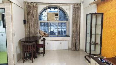 Gallery Cover Image of 550 Sq.ft 1 BHK Apartment for rent in Akahita avenue , Borivali West for 21500