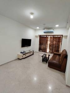 Gallery Cover Image of 800 Sq.ft 2 BHK Apartment for rent in Spenta Alta Vista, Chembur for 45000