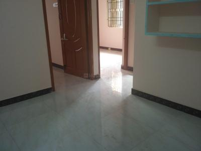 Gallery Cover Image of 700 Sq.ft 2 BHK Apartment for rent in Meenambakkam for 10000