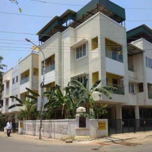 Gallery Cover Image of 1200 Sq.ft 2 BHK Apartment for rent in Thoraipakkam for 25000