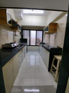 Gallery Cover Image of 980 Sq.ft 2 BHK Apartment for rent in Akruti Elegance, Mulund East for 35000
