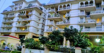 Gallery Cover Image of 2650 Sq.ft 3 BHK Apartment for buy in Malviya Nagar for 18800000