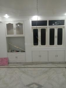 Gallery Cover Image of 1500 Sq.ft 4 BHK Apartment for rent in Anil Suri Jhulelal Apartment, Pitampura for 42000