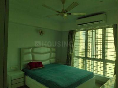 Gallery Cover Image of 1800 Sq.ft 3 BHK Apartment for rent in Bengal Peerless Avidipta, Mukundapur for 55000