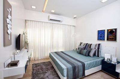 Gallery Cover Image of 1050 Sq.ft 3 BHK Apartment for buy in Juhu for 47500000