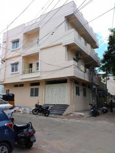 Gallery Cover Image of 1300 Sq.ft 3 BHK Independent Floor for rent in Bhoiguda for 25000