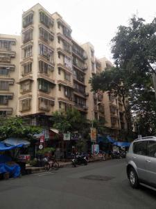 Gallery Cover Image of 555 Sq.ft 1 BHK Apartment for rent in Kandivali East for 24000