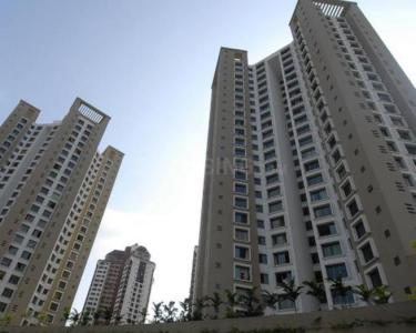 Gallery Cover Image of 1020 Sq.ft 2 BHK Apartment for rent in Kandivali East for 45000