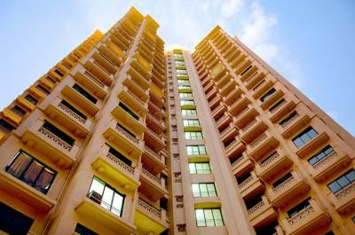 Gallery Cover Image of 1205 Sq.ft 3 BHK Apartment for rent in Kandivali East for 36000