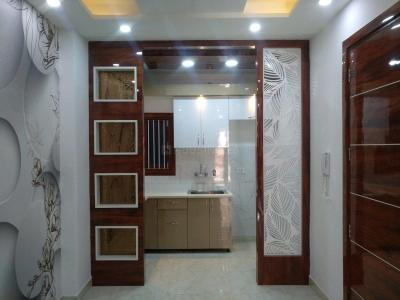 Gallery Cover Image of 790 Sq.ft 3 BHK Independent Floor for buy in Dwarka Mor for 4700000