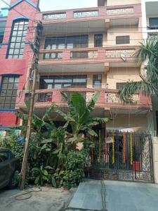 Gallery Cover Image of 2258 Sq.ft 3 BHK Apartment for rent in Jalvayu Tower, Sector 47 for 18500