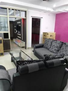 Gallery Cover Image of 1250 Sq.ft 2 BHK Apartment for rent in Madhapur for 33000