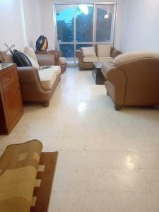 Gallery Cover Image of 1800 Sq.ft 3 BHK Apartment for rent in Saravana Natasha Golf View, Domlur Layout for 45000