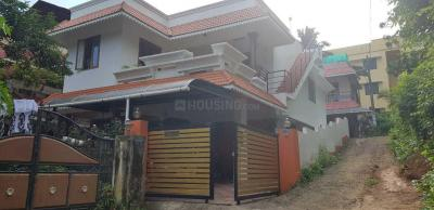 Gallery Cover Image of 2200 Sq.ft 4 BHK Independent House for buy in Ulloor for 8300000