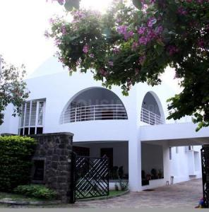 Gallery Cover Image of 5500 Sq.ft 5 BHK Villa for buy in Clover Hills, Mohammed Wadi for 77900000
