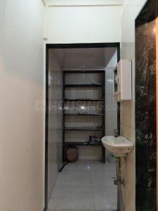 Gallery Cover Image of 350 Sq.ft 1 RK Apartment for rent in Santacruz East for 20000