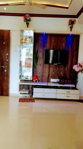 Gallery Cover Image of 970 Sq.ft 2 BHK Apartment for rent in Arihant Smital Orchid , Mira Road East for 20000