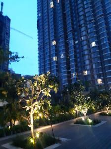 Gallery Cover Image of 1720 Sq.ft 3 BHK Apartment for rent in Worli for 130000