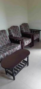 Gallery Cover Image of 1050 Sq.ft 2 BHK Apartment for buy in H I G, Nallakunta for 4500000