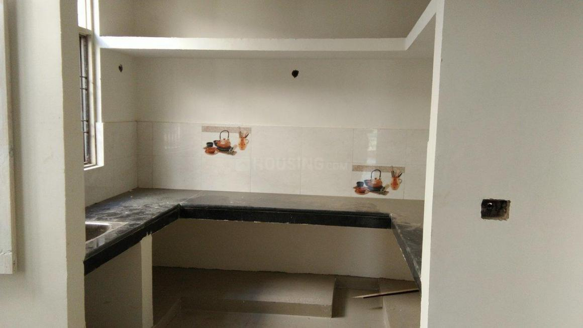 Kitchen Image of 880 Sq.ft 2 BHK Apartment for buy in Aliganj for 3960000