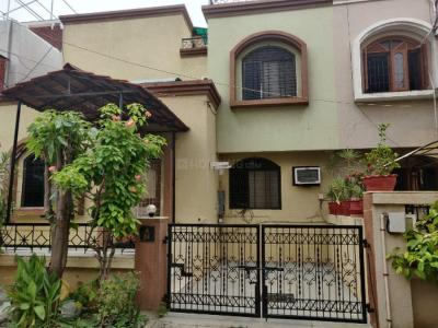 Gallery Cover Image of 2000 Sq.ft 3 BHK Villa for buy in Akota for 12500000