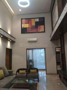 Gallery Cover Image of 3499 Sq.ft 4 BHK Apartment for buy in Shivaji Nagar for 43000000