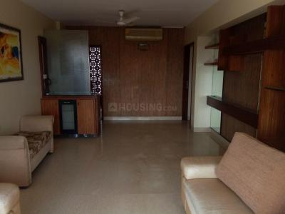 Gallery Cover Image of 1250 Sq.ft 3 BHK Apartment for rent in Khar West for 90000